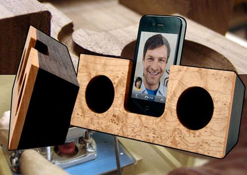 Акустическая подставка для iPhone
