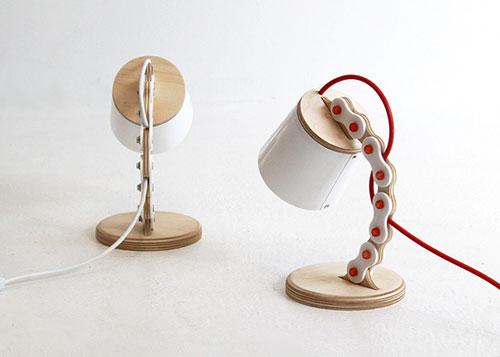 Настольная лампа в велосипедном стиле