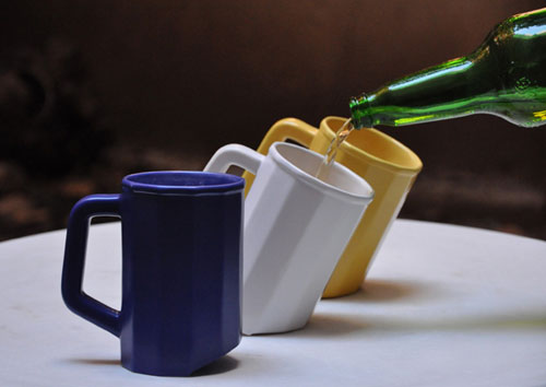 Кружка, в которую удобно наливать пиво