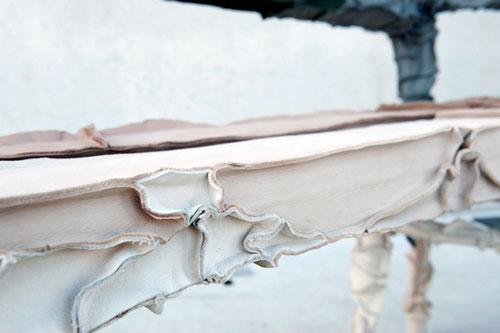 Мебель из отходов кожи