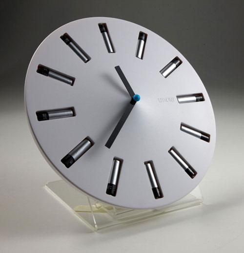 Сила времени: эко-часы на 12-ти батарейках