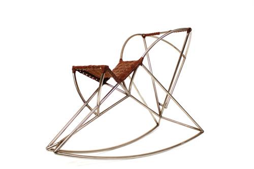 Кресло-качалка в лошадином стиле
