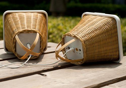 Колонки для любителей бамбука