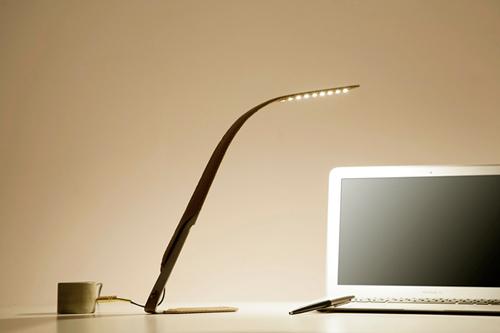 Элегантная лампа с большой кнопкой