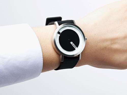 Till Watch: часы для грамотных, но ленивых