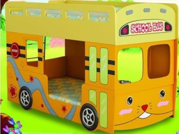 Двухъярусная кровать-школьный автобус