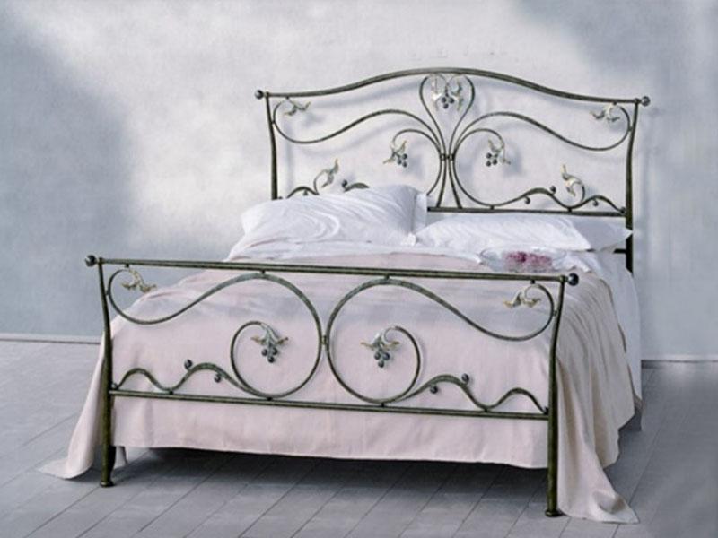 Кованые кровати: двуспальные, односпальные, детские кроватки с кованой спинкой. Фото кованых кроватей в интерьере