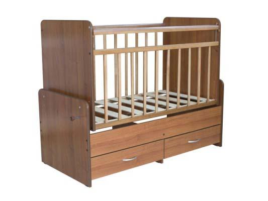 Детская кровать-трансформер с маятником