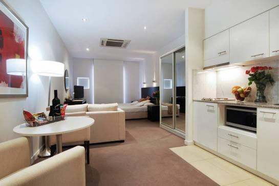 Оформление маленькой квартиры-студии: мебель и декор