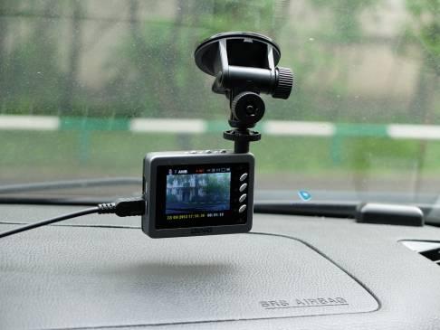 Советы автомобилистам: как выбрать видеорегистратор