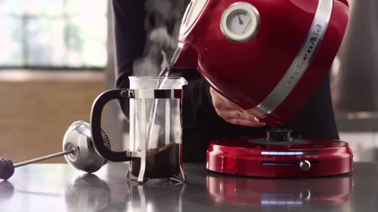 Главный прибор на кухне: выбираем электрический чайник