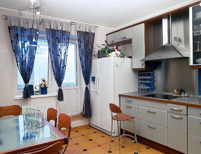 Интерьер кухни своими руками. Аксессуары и мебель
