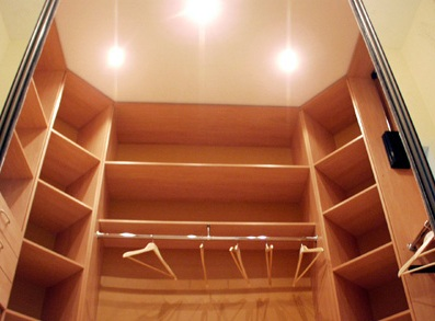 Гардеробные шкафы. Шкаф-купе в гардеробной комнате