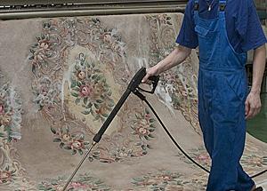 Химчистка ковров: начни борьбу с пылью!