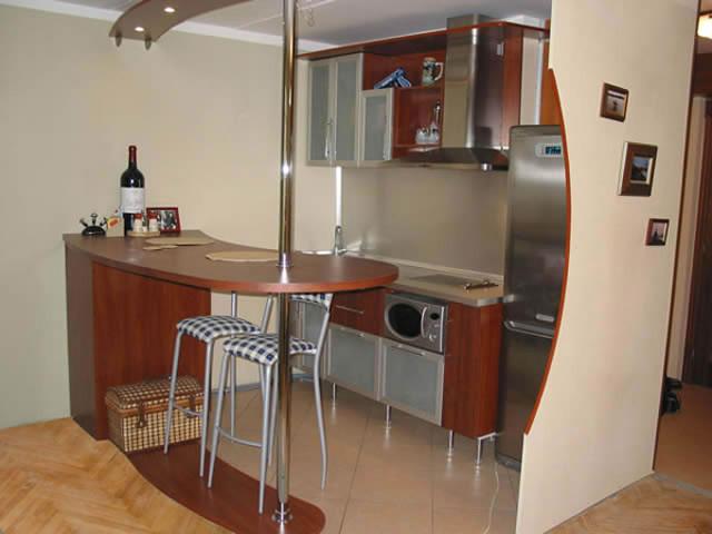Барная стойка для кухни и гостиной. Фото интерьеров с барной стойкой