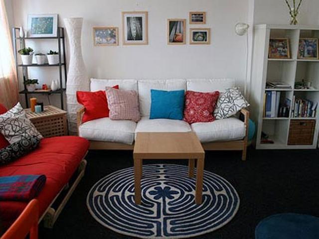 Фото интерьера гостиной маленького размера