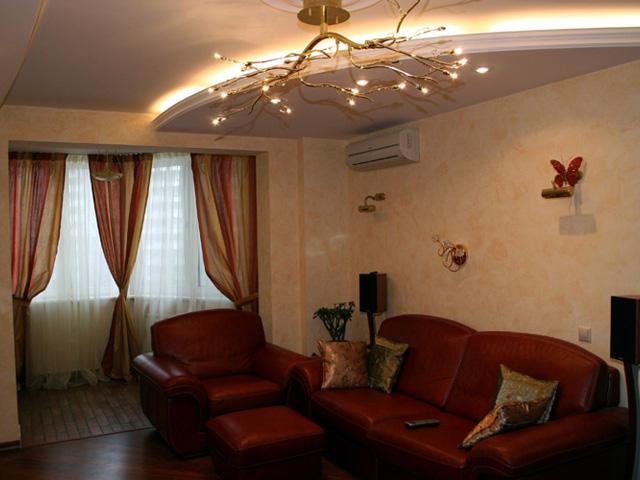 Фотография интерьера зала в типовой квартире