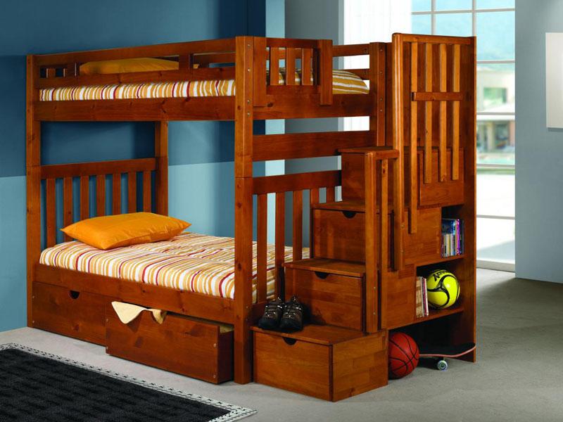 Детская двухъярусная кровать для двоих детей