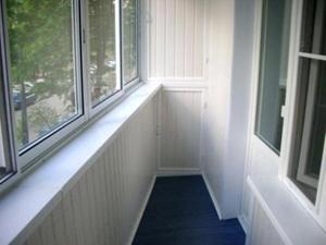Основные аспекты остекления лоджий и балконов