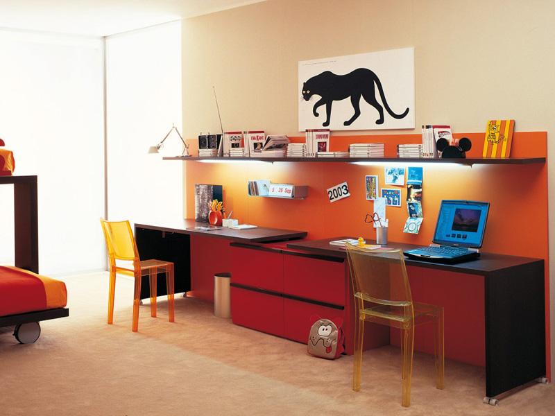 Письменный стол для двоих детей. Организация рабочего места для двоих детей