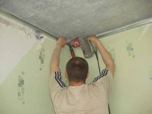 Одноуровневый подвесной потолок своими руками