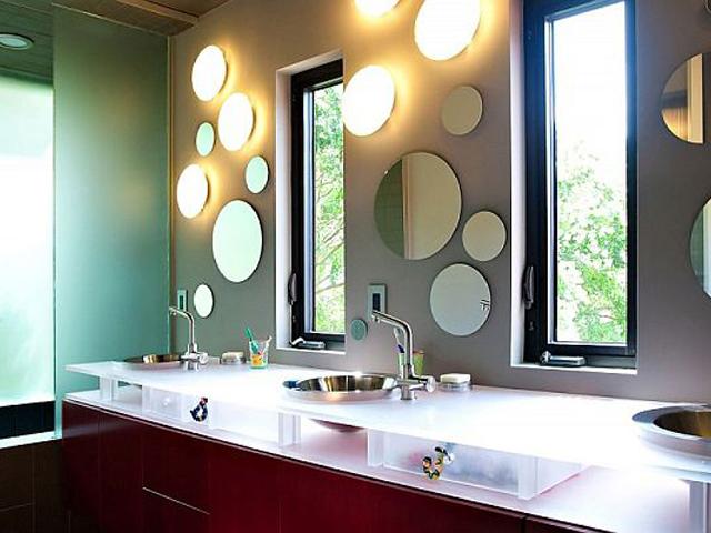 Оригинальное освещение ванной комнаты