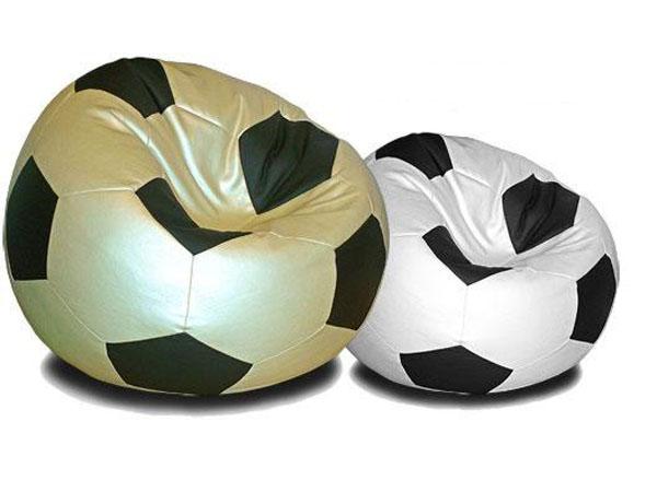 Кресла-мешки в виде футбольного мяча