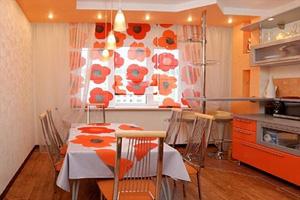 Цвет штор в кухне