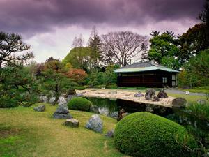 Классический стиль для садового участка