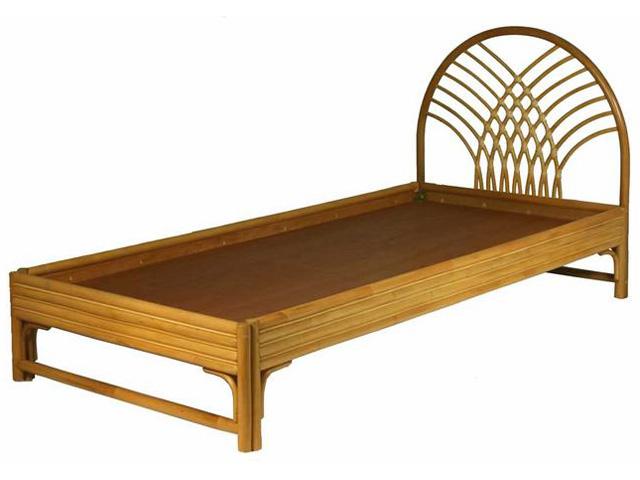 Кровать с ажурной спинкой