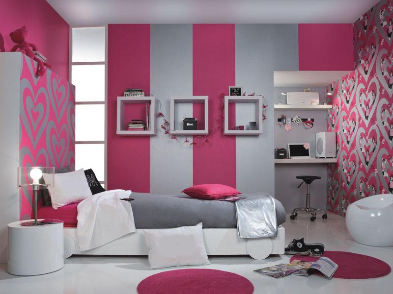 Серо-розовая комбинация обоев