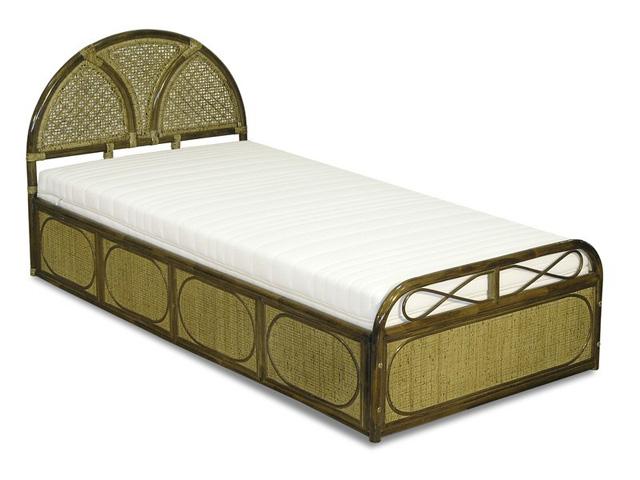 Односпальная кровать с плетеной спинкой