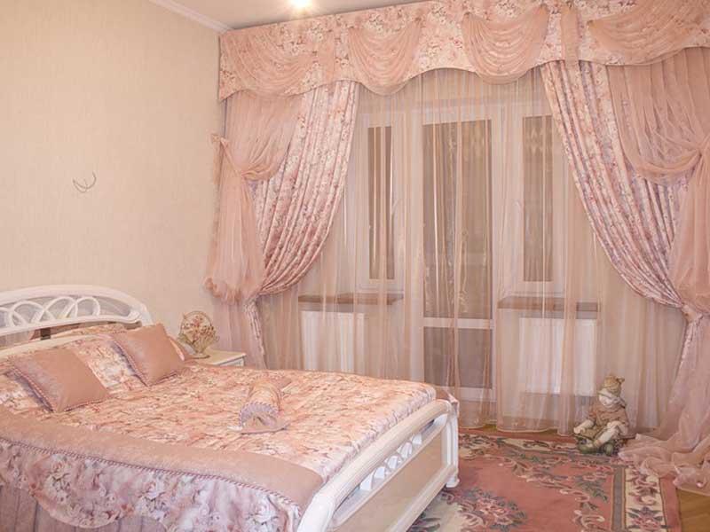 Гармония в спальне: шторы и интерьер