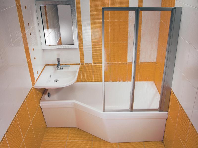 Жесткая шторка для ванны необычной формы
