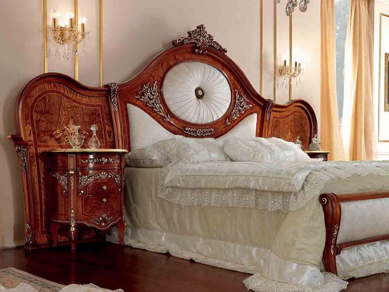 Роскошная тумбочка с кроватью