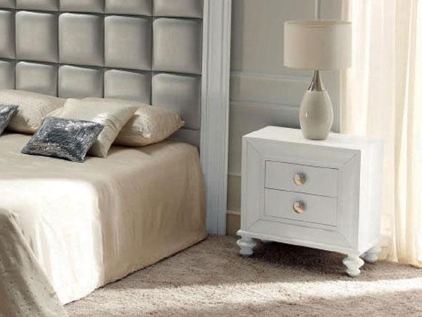 Белая тумба для спальни