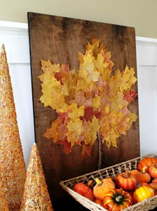Готовая картина из кленовых листьев