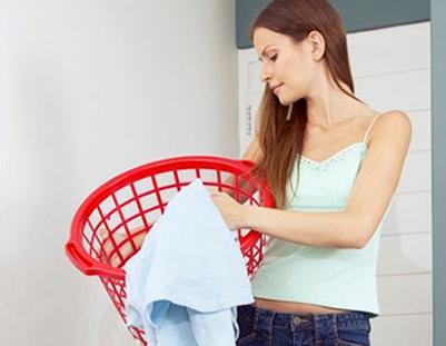 Как и чем отстирать краску с одежды: эффективные способы