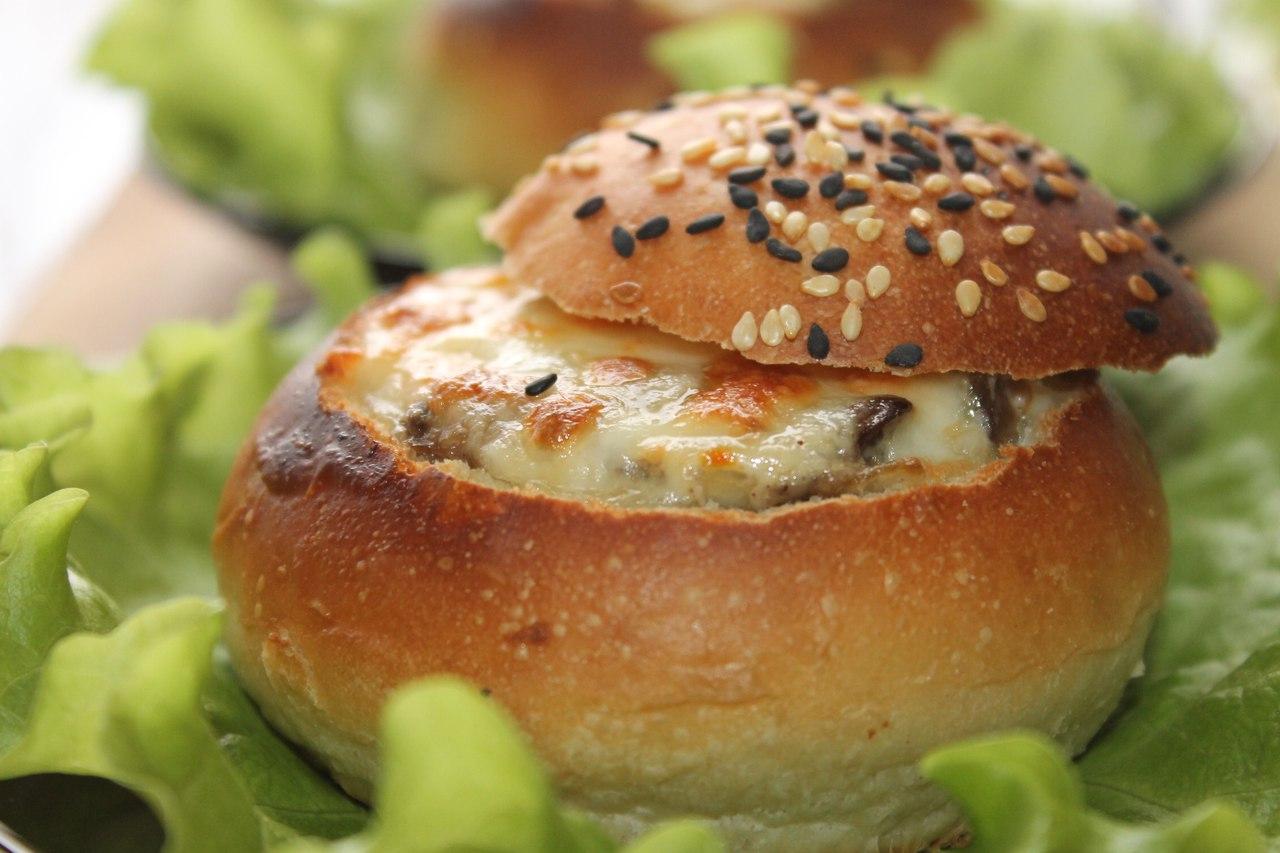 Готовим вкусные булочки с грибами