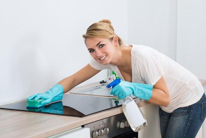 Чистка плиты: индукционная, стеклокерамическая. Какие моющие средства выбрать?