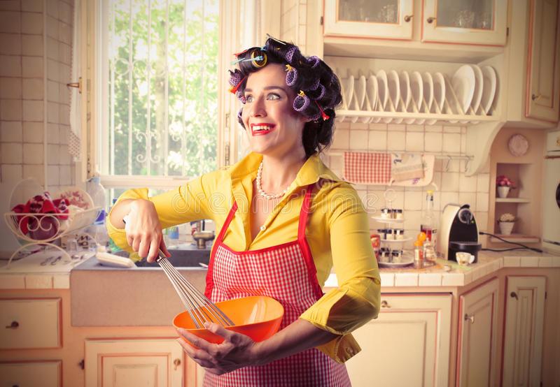 Стоит ли быть домохозяйкой?