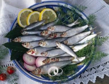Как избавиться от запаха рыбы в домашних условиях