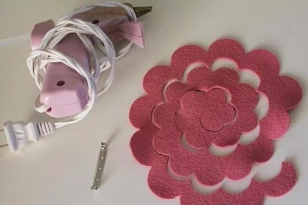 Мастер-класс по созданию <i>цветы из фетра одного цвета выкройки</i> розы из фетра. Шаг 1