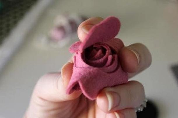 Мастер-класс по созданию розы из фетра. Шаг 3