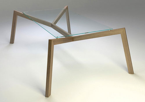 Журнальный столик в виде гигантского паука