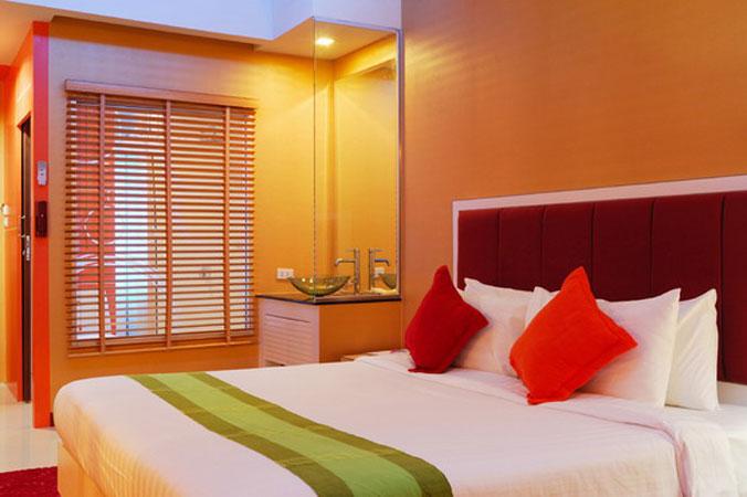 Фото Цвет и его сочетания в интерьере - спальня с умывальником