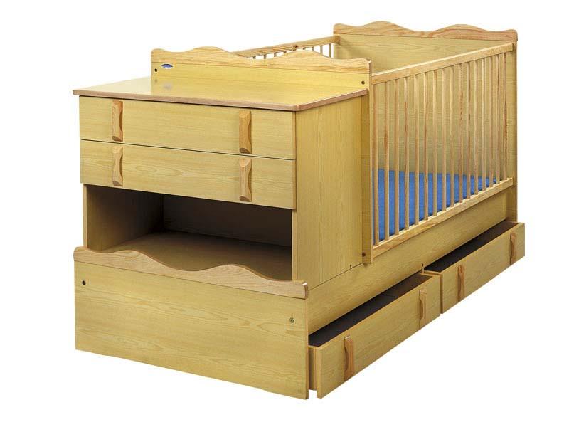 Деревянная кроватка-трансформер с комодом