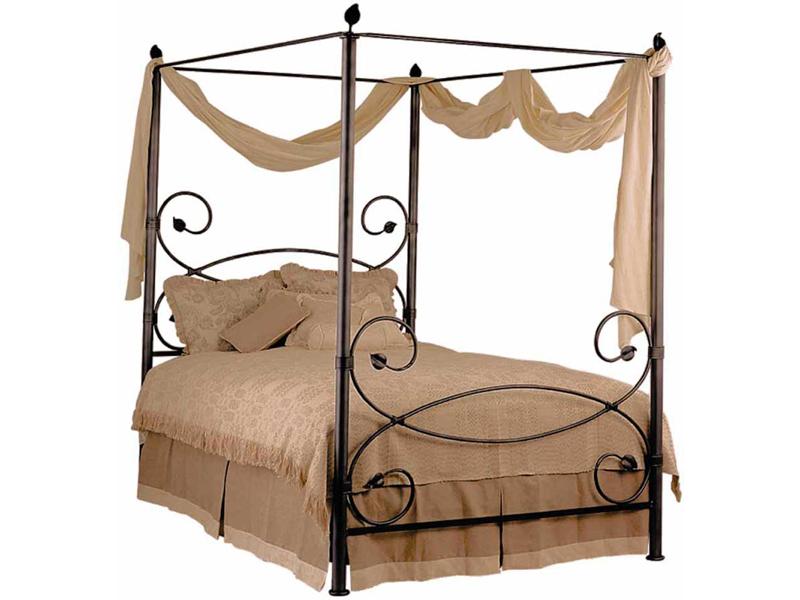 Двуспальная кованая кровать с палантином