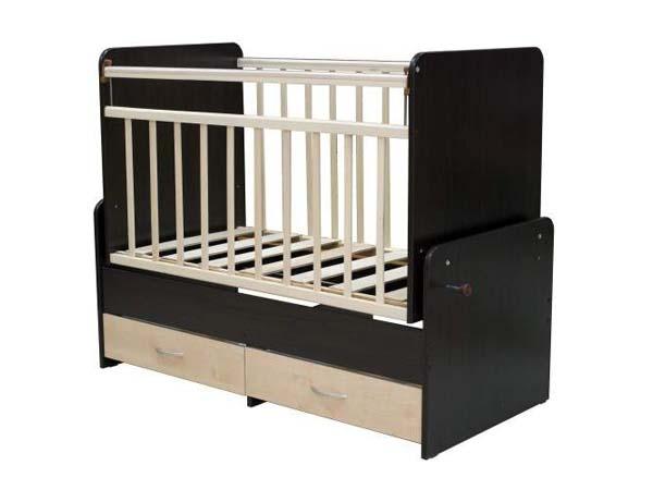 Черно-белая кроватка-трансформер с маятником