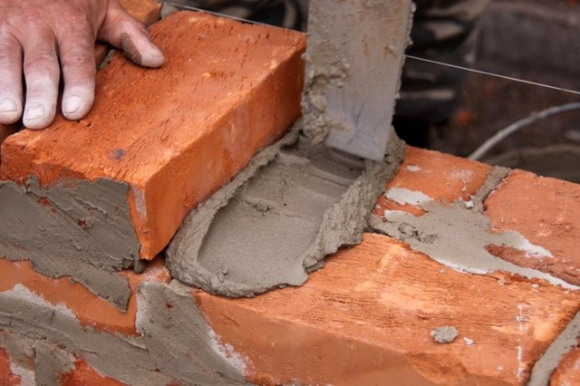 Как сделать кирпичи из цемента своими руками